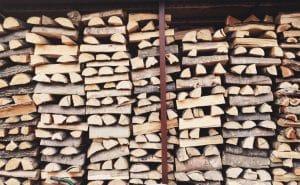 Entreposage de bois de chauffage